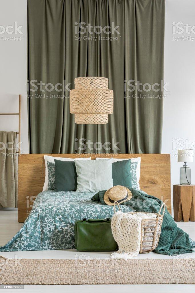 High Quality Rattan Lampe In Khaki Schlafzimmer Lizenzfreies Stock Foto