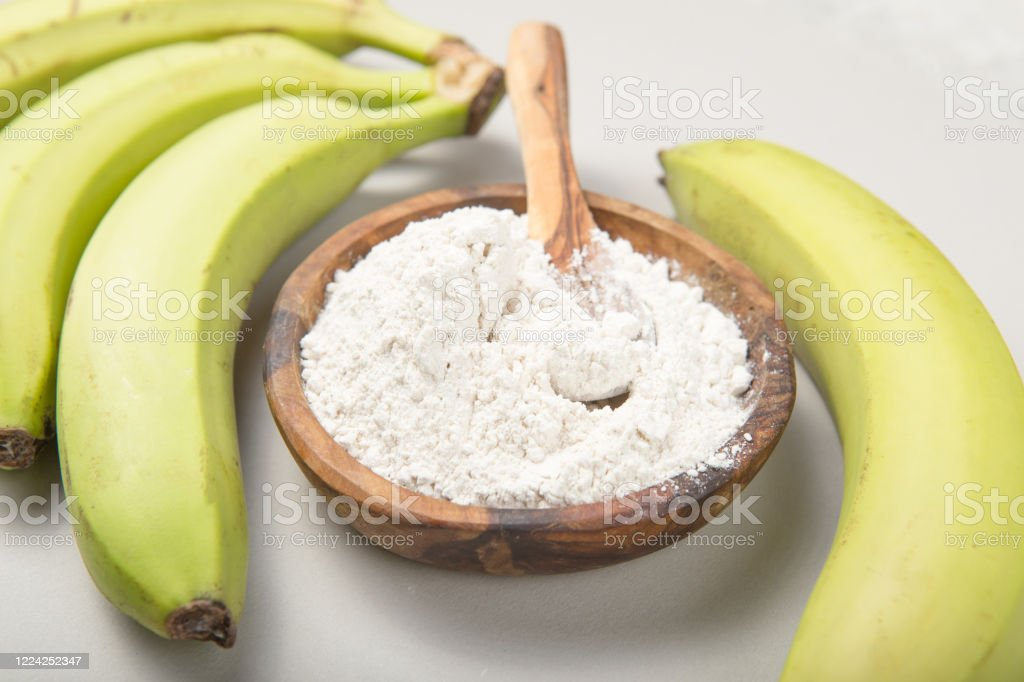 Raw and dried green bananas, plantain flour, resistant flour, prebiotic food, gut health - Royalty-free Antioxidant Stock Photo
