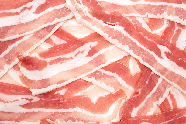 bruto bacon fundo - meat texture imagens e fotografias de stock