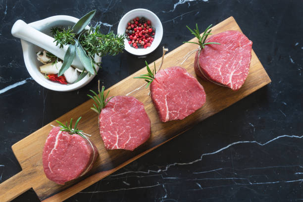 Rohes Rindfleisch Medaillons – Foto
