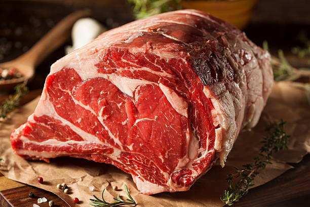 raw alimentado com pasto costela de carne - cru - fotografias e filmes do acervo