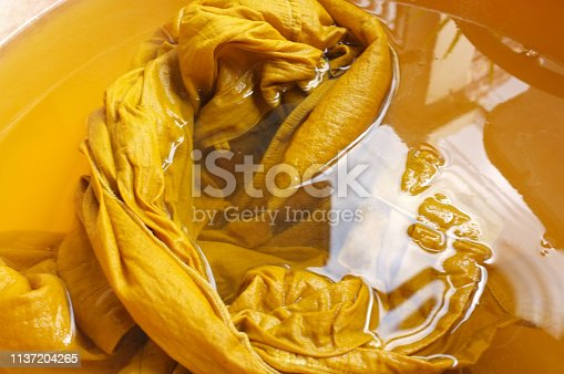 raw material for yewllow color natural dye