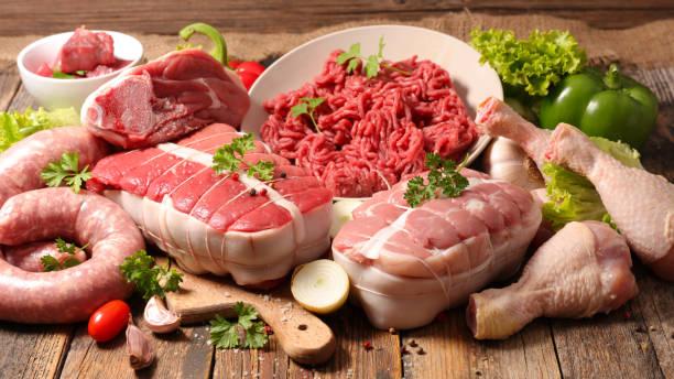 ingredientes de carnes cruas - cru - fotografias e filmes do acervo