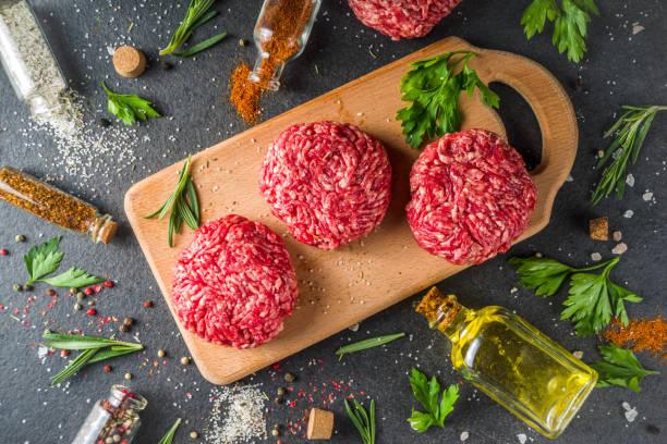 Rohes Hackfleisch Rindfleisch Burger Schnitzel – Foto