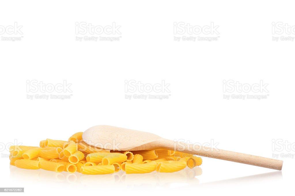 Raw pasta and spoon photo libre de droits