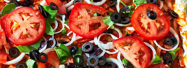 Raw pizza close up top view, pizza banner - foto de acervo