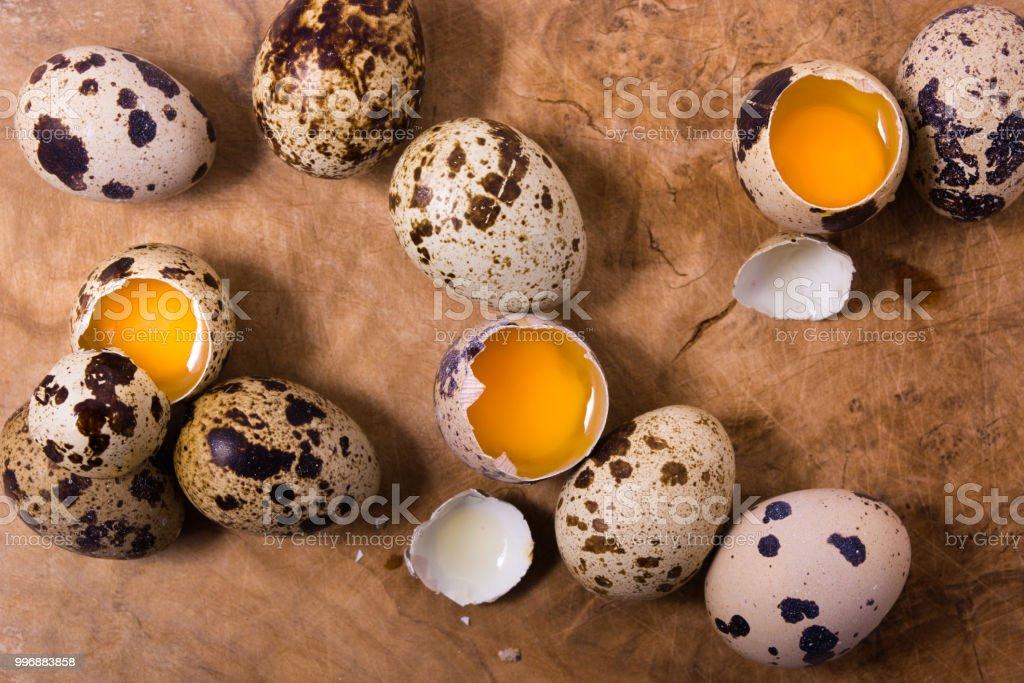 卵 ウズラ の