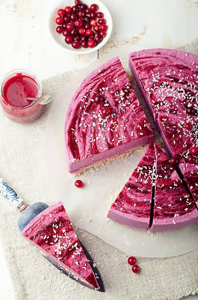 Végétalien cheesecake aux fruits des plats sans gluten. Fond en bois - Photo
