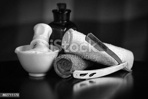 istock razor shaving accessories razor 852711170