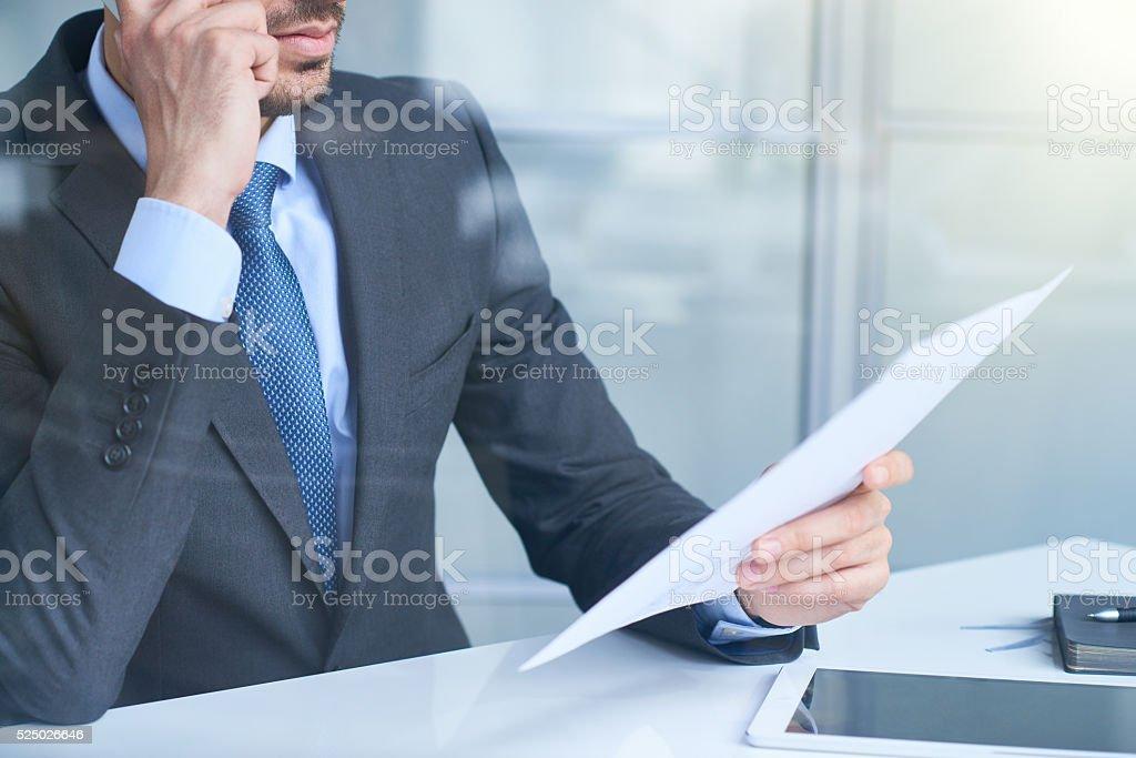 Reading Dokument Lizenzfreies stock-foto