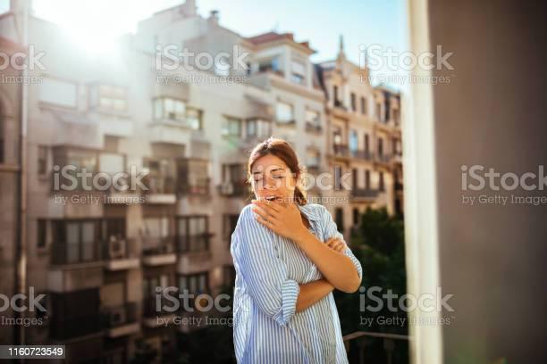 Bereit Für Einen Neuen Tag Stockfoto und mehr Bilder von Attraktive Frau