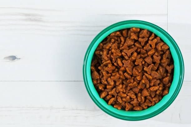 ready to eat pets meal - laminat günstig stock-fotos und bilder