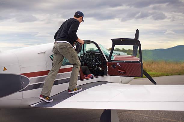 bereit zum himmel - flugschule stock-fotos und bilder
