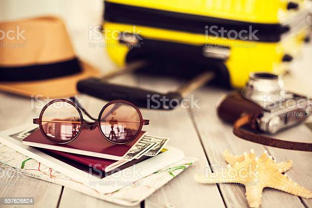 Ready vacation suitcase holiday concept picture id537626824?b=1&k=6&m=537626824&s=612x612&h=5augfrphclwzuyhne0oox4mntopwqhmalbg7wog3h g=