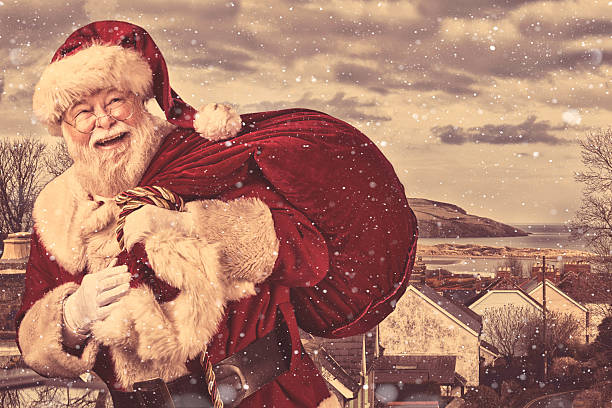 13 548 Old Fashioned Santa Claus Stock Photos Pictures Royalty Free Images Istock