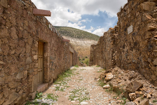 Real de Catorce, Mexico stone built houses Real de Catorce, Mexico: the stone built houses along the cobblestone streets are mostly abandoned an in ruins and has a 'Pueblo Magico' designation awarded real de catorce stock pictures, royalty-free photos & images