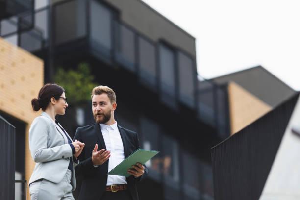 Immobilienmakler auf einer Tagung – Foto