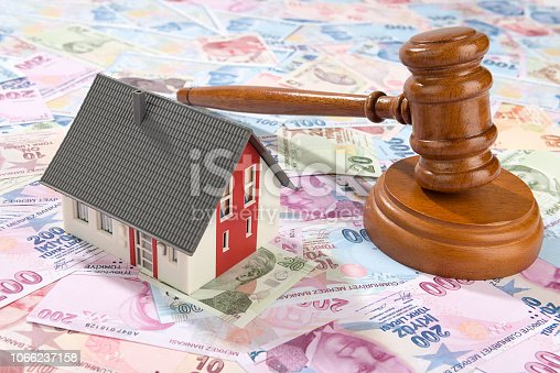 istock Real Estate Auctions 1066237158