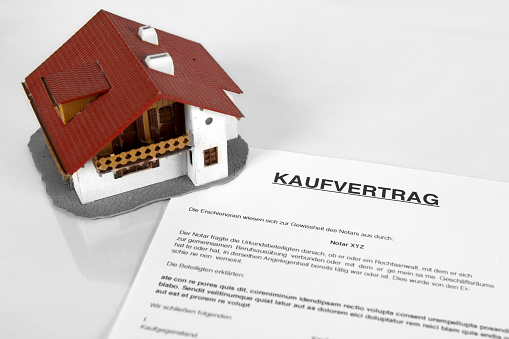 626187670 istock photo Real estate contract - Concept with the German Word