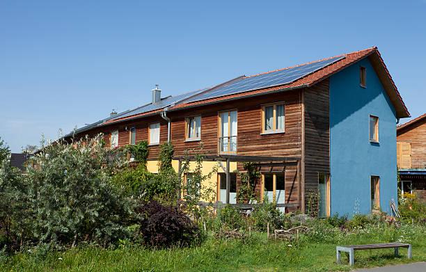 real estate - houses with solar panels - solar panel bildbanksfoton och bilder