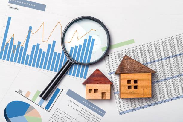 immobilieninvestitionen, immobilienwert - eigenheim stock-fotos und bilder