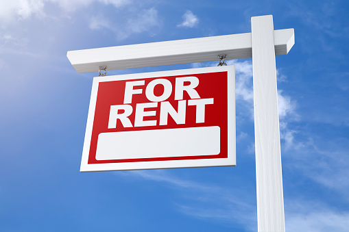 istock Real Estate Sign For Rent 905791758