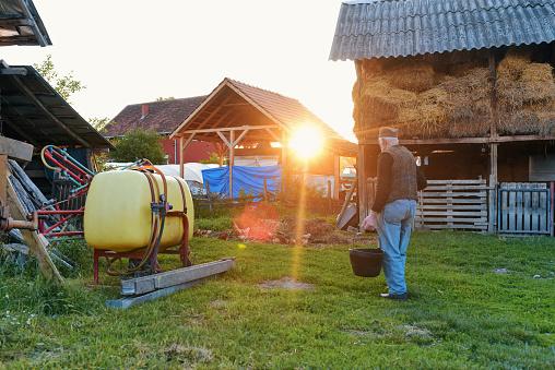 진짜 농부 산책 80-89세에 대한 스톡 사진 및 기타 이미지