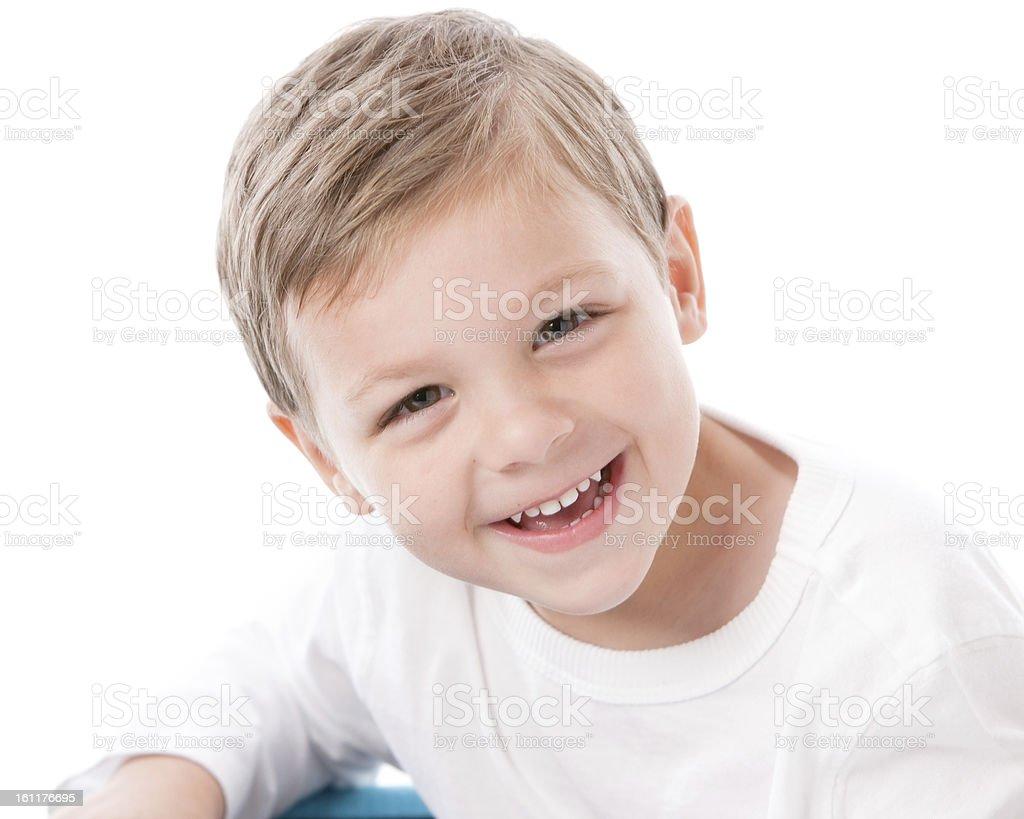 Persone vere  Ridere caucasico ragazzino Capelli castani primo piano del  volto foto stock royalty- 54dbe0905fd3