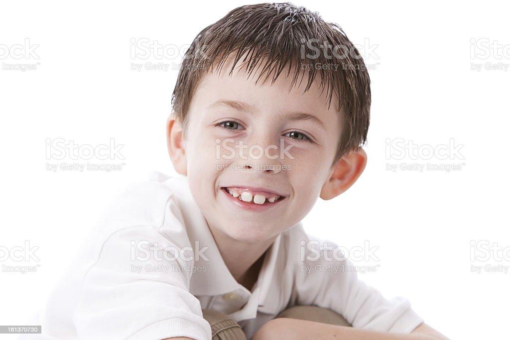 Persone vere  Ritratto di un sorridente caucasico ragazzino Capelli castani  testa spalle foto stock royalty d5527523784d