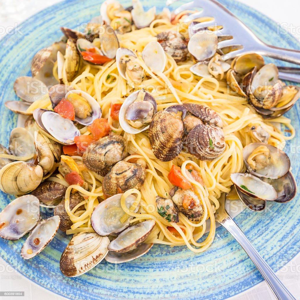 Real Spaghetti alle vongole in Naples, Italy - foto de stock