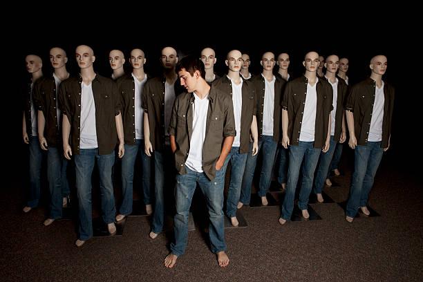 Real-stehen In einer Menschenmenge – Foto