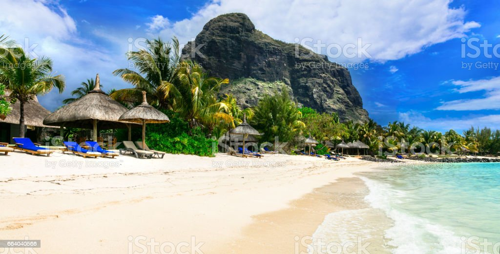 Tropical Island Beach Ambience Sound: Realxing Tropical Scenery Beautiful Beaches Of Mauritius