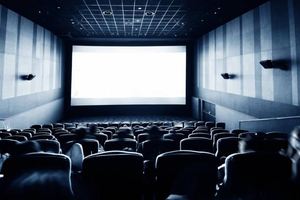 Rückansicht der Menschen im Kino – Foto