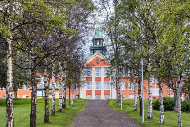rear view of the kongsbakken upper secondary school located in skolegata 16, tromso, norway. - back to school zdjęcia i obrazy z banku zdjęć