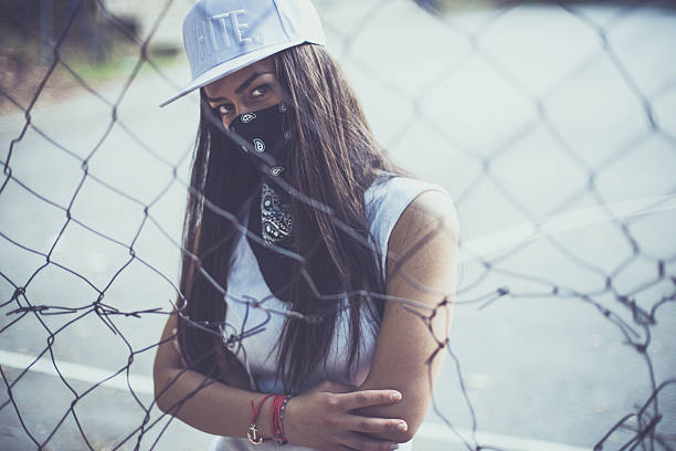 rebellious mood - gangster zdjęcia i obrazy z banku zdjęć