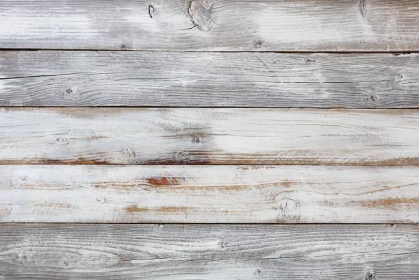 recuperado resistidas brancas pintado as tábuas de madeira - celeiros - fotografias e filmes do acervo