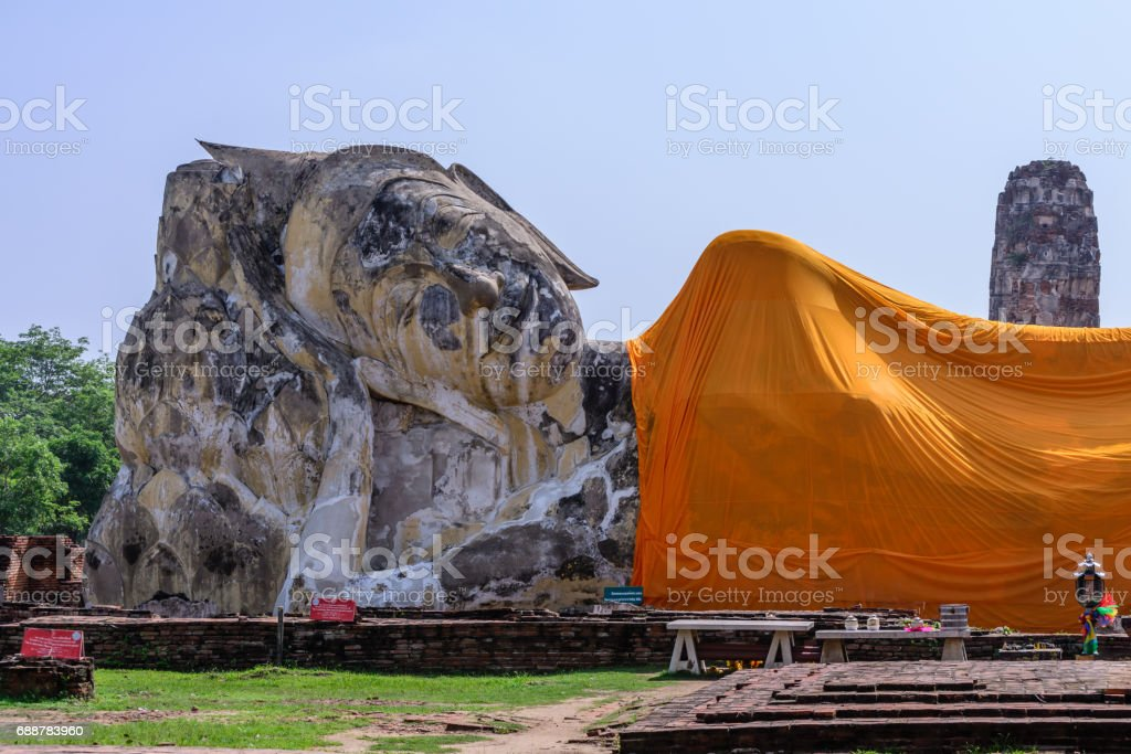 Reclining buddha at Wat Lokkayasutharam in Phra Nakhon Si Ayutthaya, Thailand. stock photo
