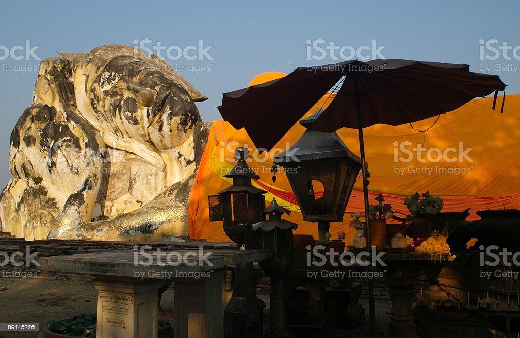 Bouddha incliné Ayutthaya en Thaïlande photo libre de droits