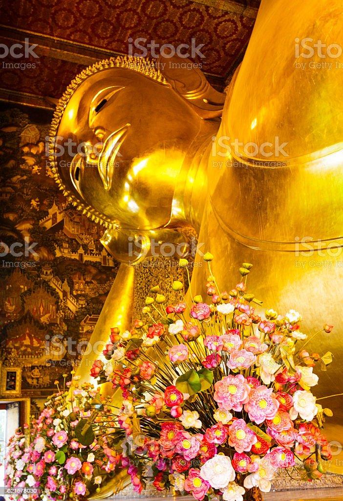 Reclining giant buddha in Thailand photo libre de droits