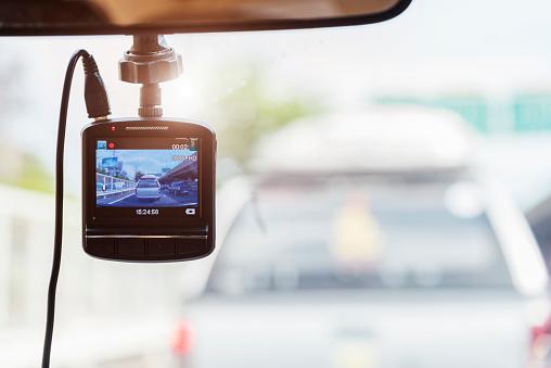 Grabadora De Cámara Frente A Coche De Seguridad En La Carretera Foto de stock y más banco de imágenes de Accidente de automóvil