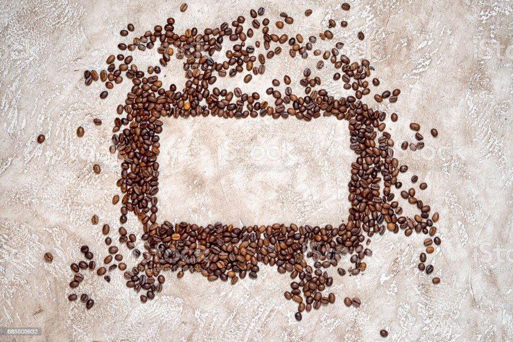 矩形框的咖啡豆與銘牌中的文本的副本空間 免版稅 stock photo