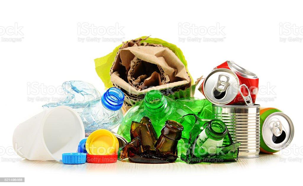 Recyceln Abfälle aus Glas, Papier, Plastik und Metall – Foto