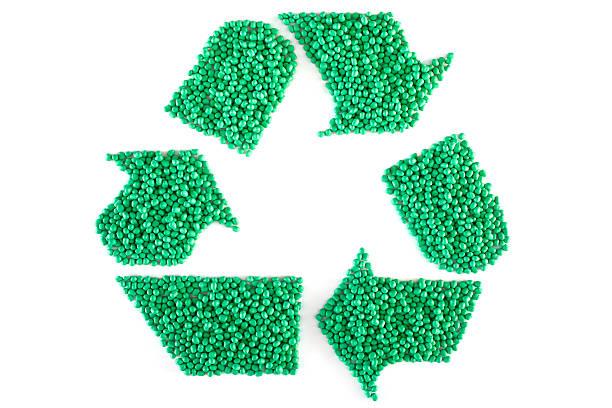 gestell aus grünem kunststoff resin brennstofftabletten ohne belang - polypropylen stock-fotos und bilder