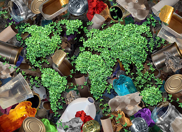 riciclare spazzatura e l'ambiente - biodegradabile foto e immagini stock