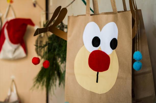 recycling tasche weihnachten handwerk - diy xmas stock-fotos und bilder