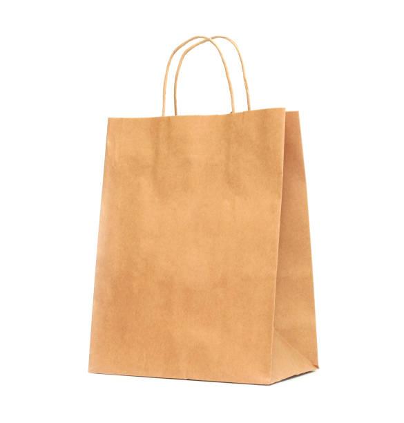 Geri dönüşümlü kağıt alışveriş çantası beyaz arka plan üzerinde. stok fotoğrafı
