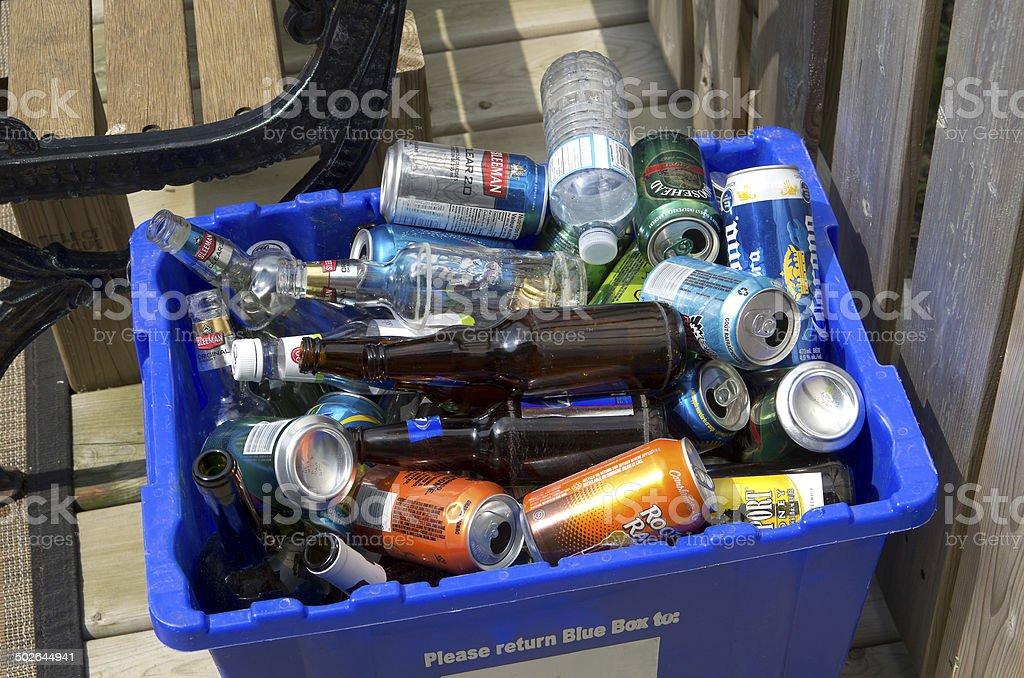 Reciclaje después del partido. - foto de stock