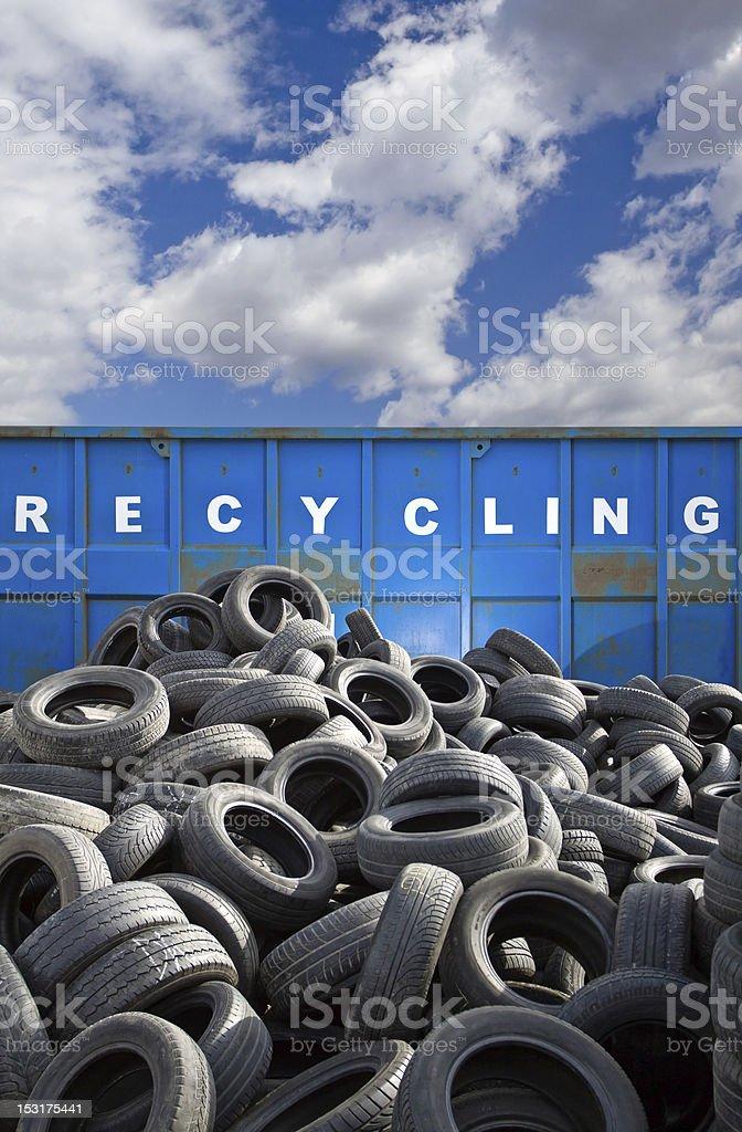 Recycling-Behälter und Reifen business – Foto