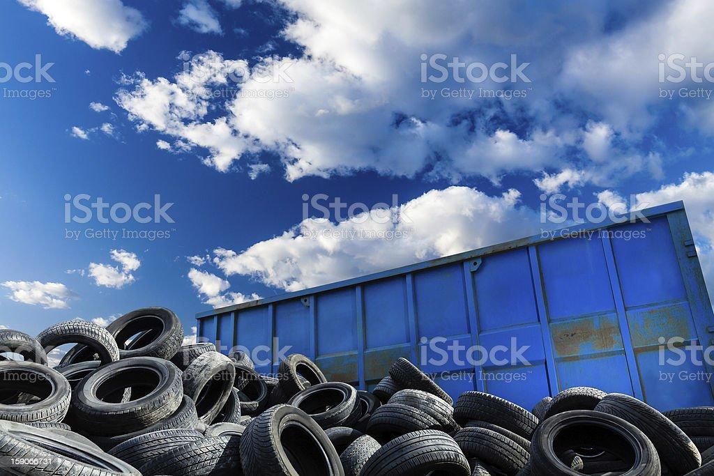 business, Recycling-Behälter und Reifen – Foto