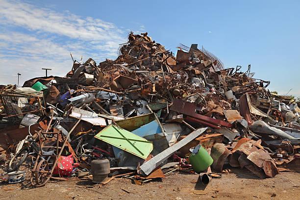 Recycling-Industrie, Haufen von alten Metall – Foto